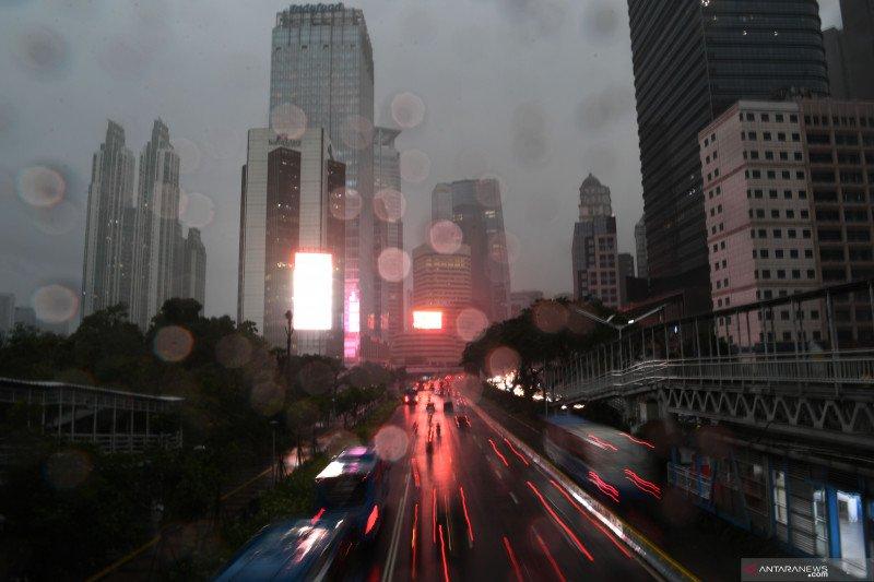 Jakarta diperkirakan hujan sepanjang Senin