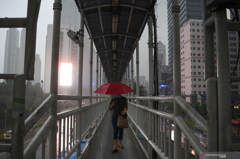 Sabtu, semua wilayah Jakarta diguyur hujan