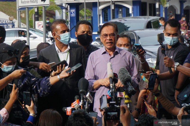 PDRM sidik Anwar Ibrahim dengan enam kasus
