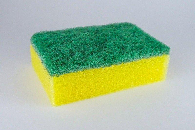 Cara terbaik bersihkan spons untuk enyahkan kuman dan virus