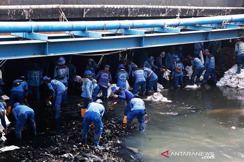 SDA Jakpus pastikan program penanganan banjir rampung 15 Desember