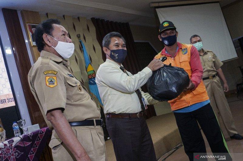 Program paket sembako Bank Indonesia Tegal