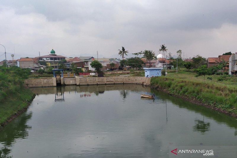 Satgas Sektor 6 Citarum Harum antisipasi sampah saat hujan