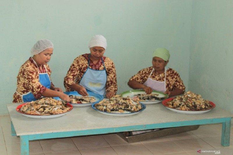 Kelompok wanita tani Muarojambi bertahan dengan abon  patin