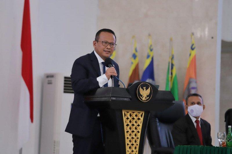 Menteri Edhy lepas distribusi 24 ton pakan ikan ke Halmahera