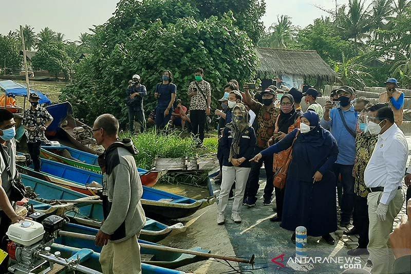 Lebih efisien, Ketua Komisi VII DPR ajak nelayan Cilacap pakai BBG