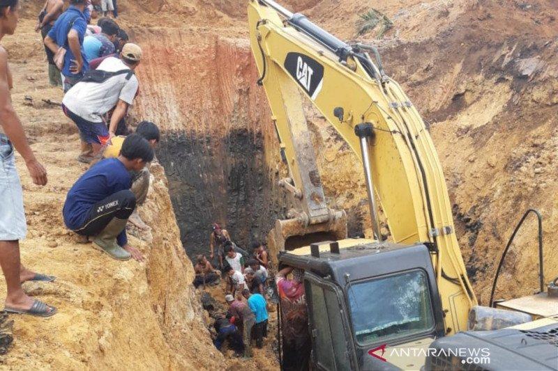 11 pekerja tambang meninggal tertimbun longsor di Muara Enim