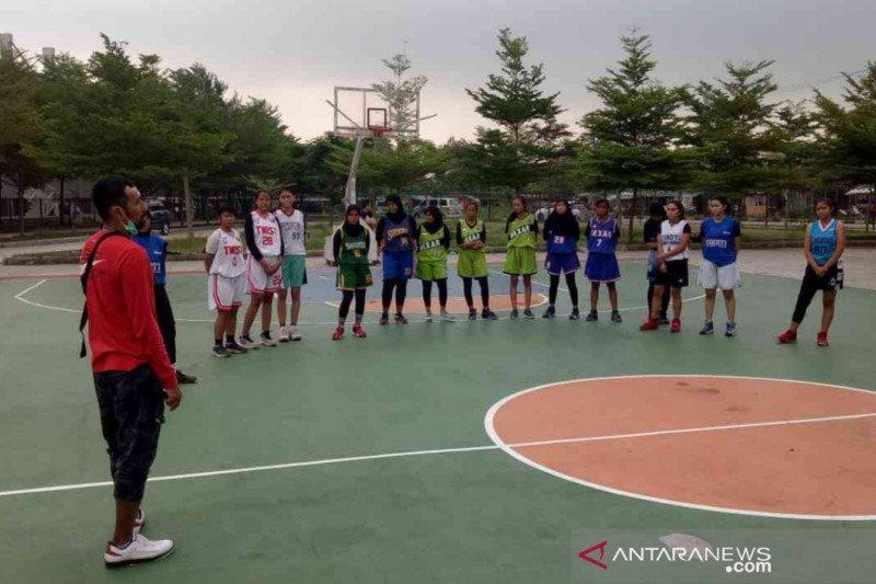 Legenda basket digaet Kabupaten Bekasi kejar medali Porda Jabar