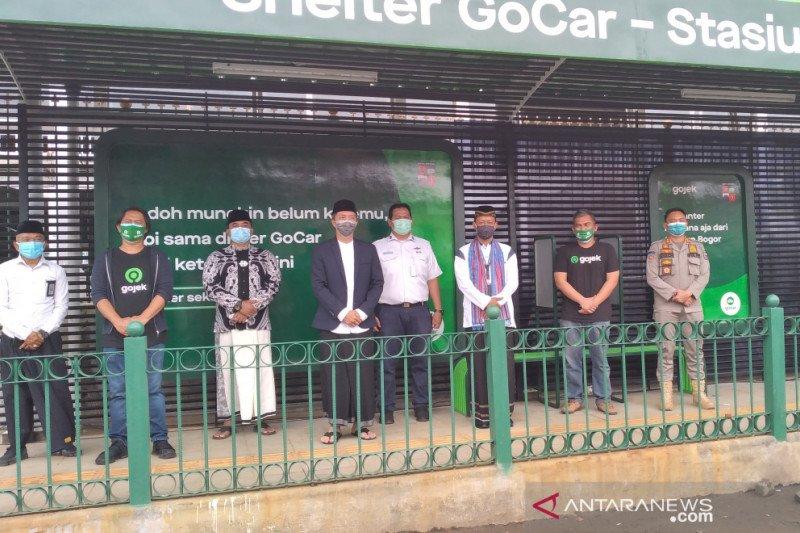 Kini ada selter ojol di samping Stasiun Bogor