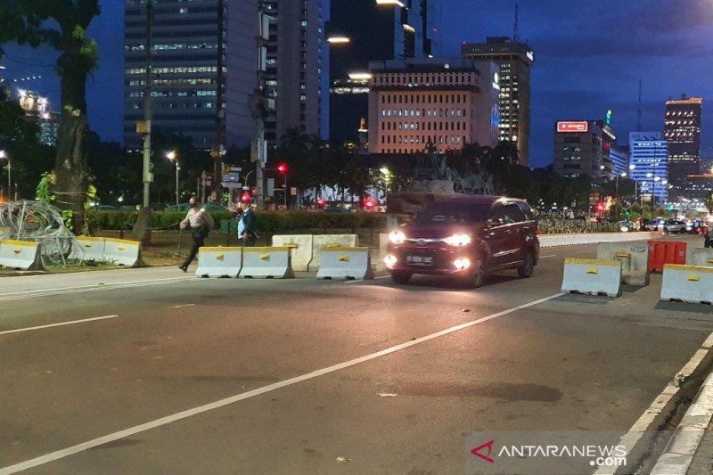 Jalan Medan Merdeka Barat kembali dibuka usai massa aksi bubar