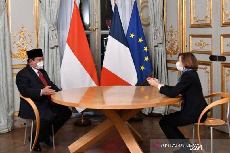 Kemarin, Prabowo tertinggi disurvei hingga JK bertemu Paus Fransiskus