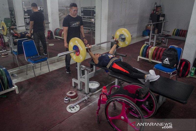 Pelatnas angkat berat untuk persiapan Paralimpiade Tokyo 2021