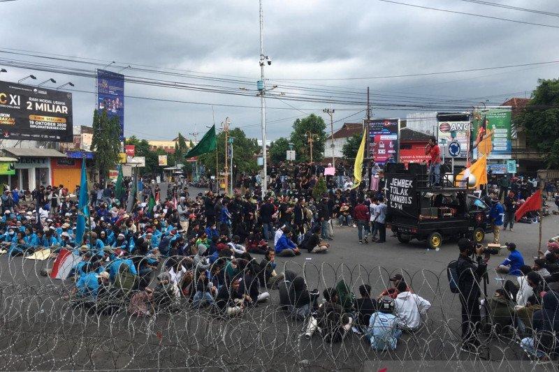 Sejumlah pelajar-mahasiswa di Jember sempat diamankan sebelum demo
