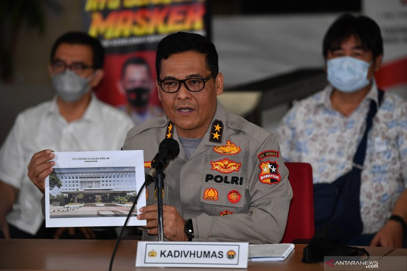 Kemarin, tersangka kebakaran Kejagung hingga Budi Budiman ditahan
