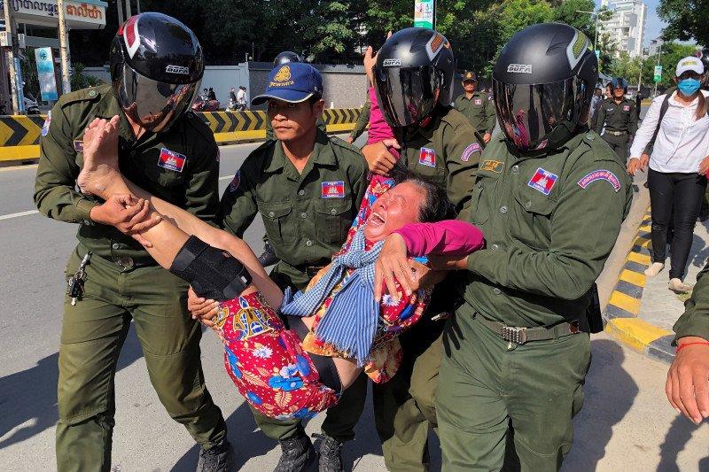 Kamboja bubarkan protes soal pangkalan militer China
