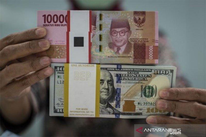 Rupiah ditutup menguat tipis di tengah pelemahan mata uang Asia