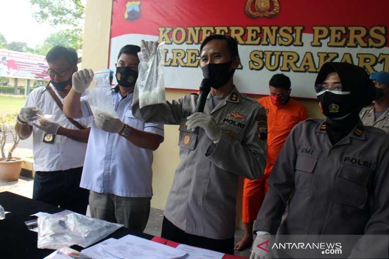Polisi amankan dua warga terlibat penyalahgunaan sabu-sabu di Solo