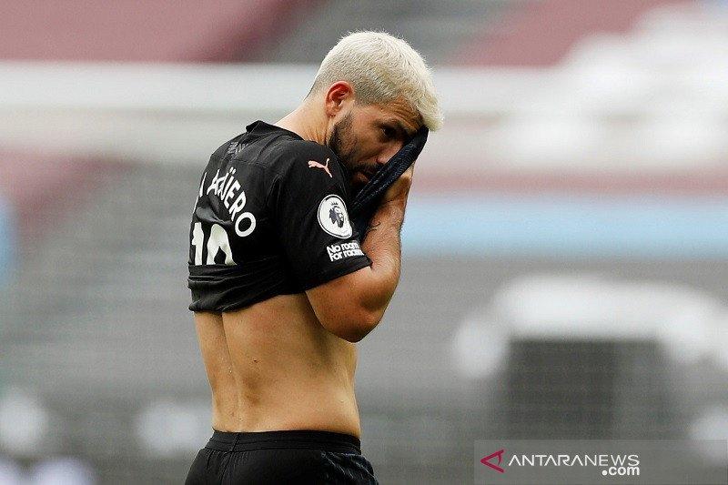 Cuma main satu babak lawan West Ham, Aguero ternyata cedera lagi
