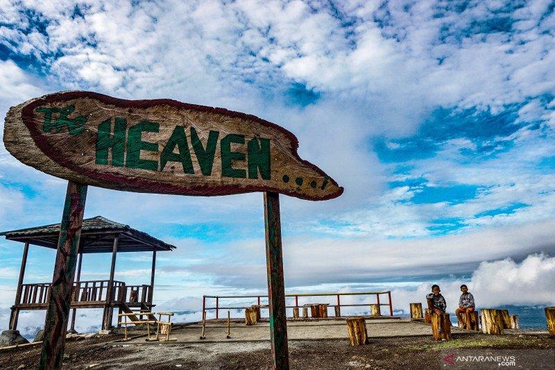 Panorama dari Puncak Heaven Ifar Gunung Sentani
