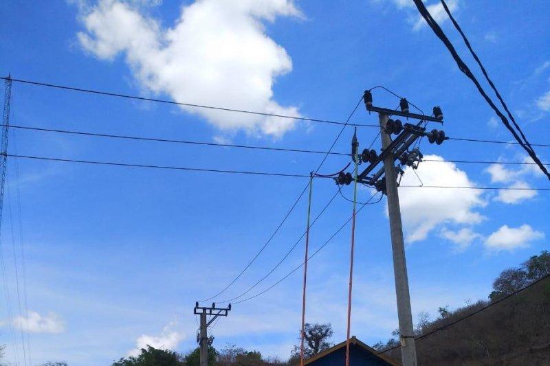 PLN terangi 24 jam dua kecamatan di Sumbawa