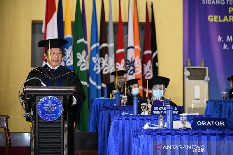 IPB University anugerahkan doktor kehormatan dua tokoh atas dedikasi