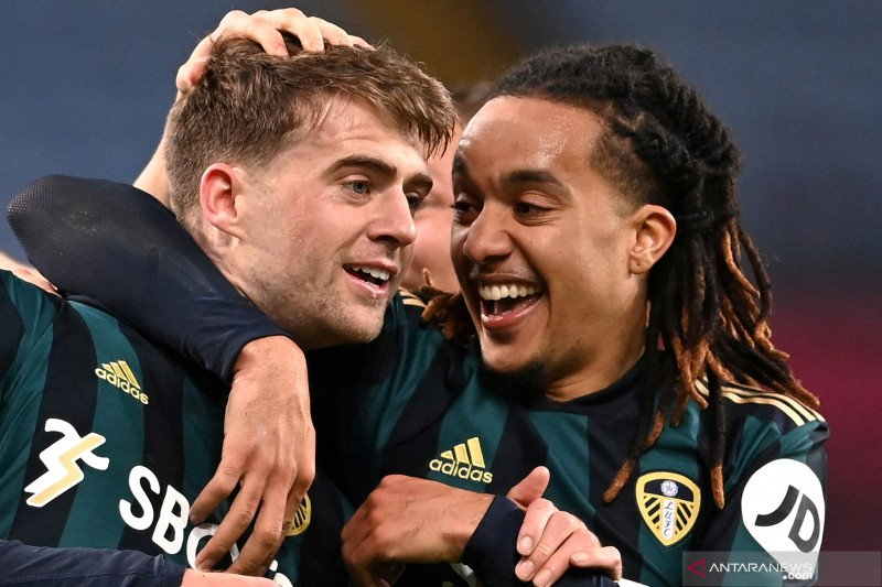 Liga Inggris:  Leeds United kalahkan Aston Villa 3-0