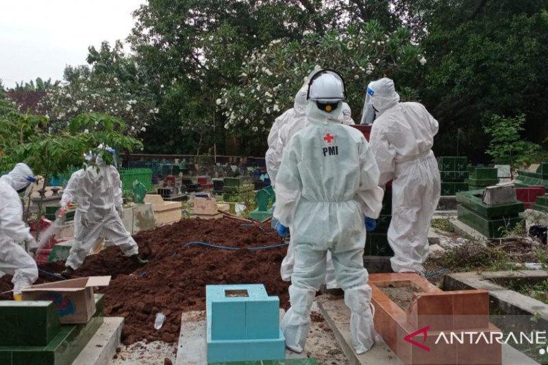 105 jenazah di wilayah timur Jatim dimakaman sesuai protokol COVID-19