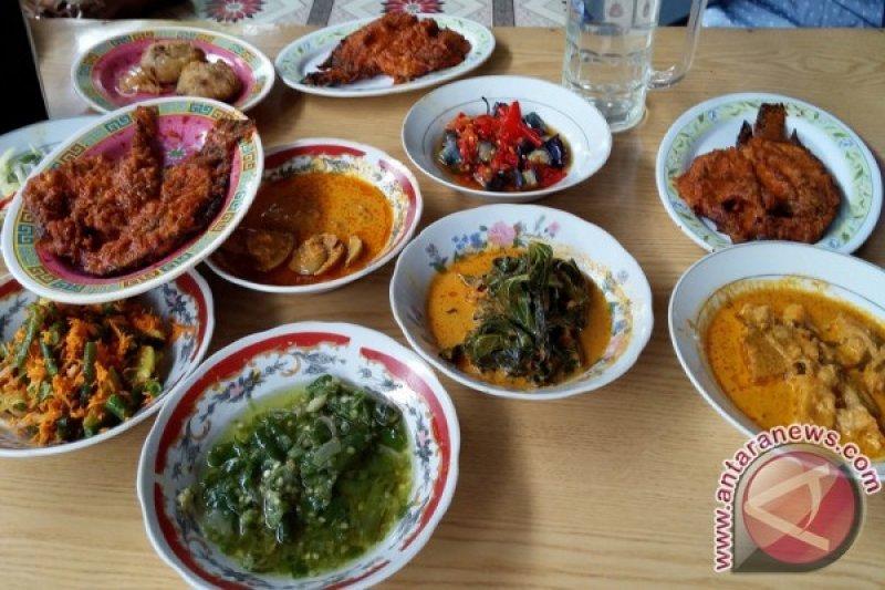 Tes usap pelayan rumah makan hadirkan kuliner aman di Ranah Minang
