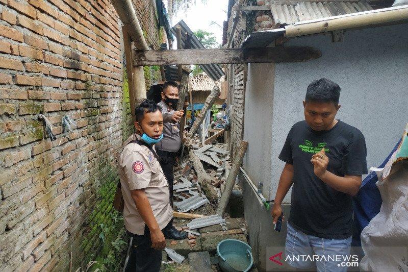 Gempa Pangandaran sebabkan kerusakan rumah warga di Garut dan Ciamis