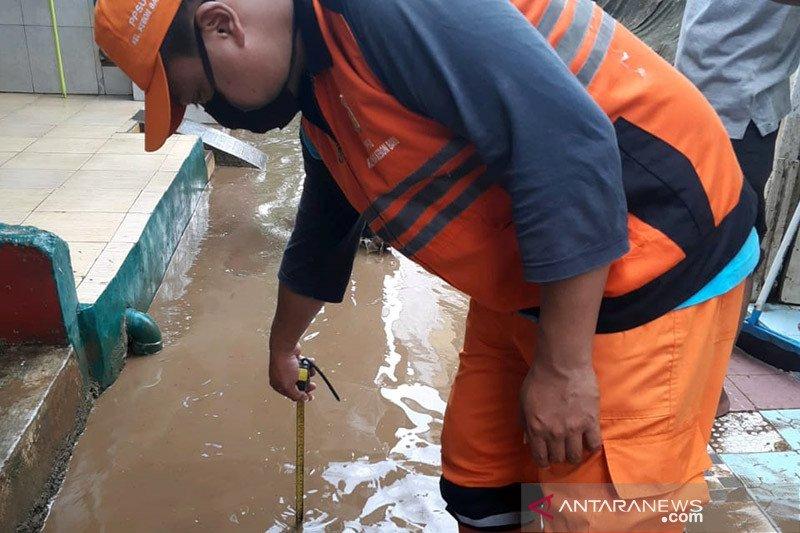 Waspadai hujan sedang-lebat di seluruh Jakarta dini hari