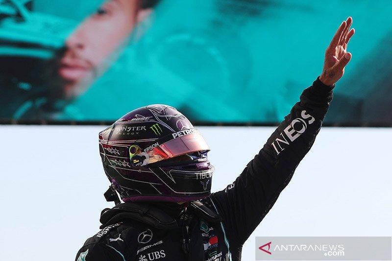 Melesat di lap terakhir, Hamilton rebut pole position GP Portugal