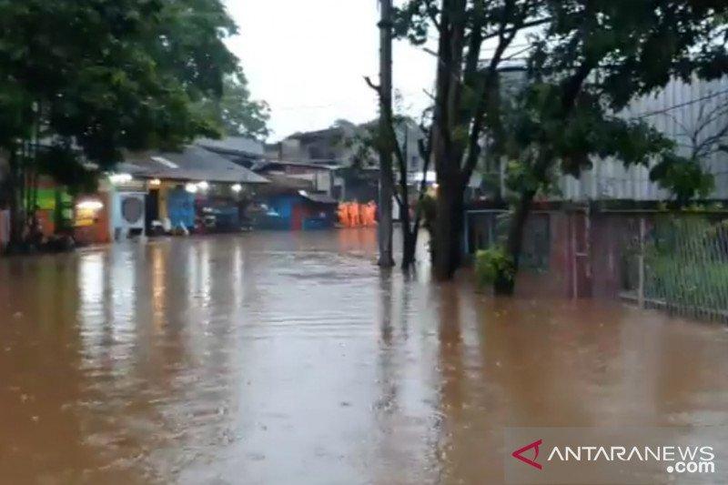Sembilan RT tergenang akibat hujan di Jakarta Senin petang