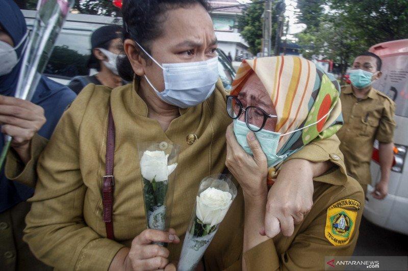 Angka kematian nakes akibat COVID-19 memuncak di Desember