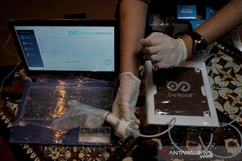 Alat deteksi COVID-19 dengan hembusan nafas buatan UGM