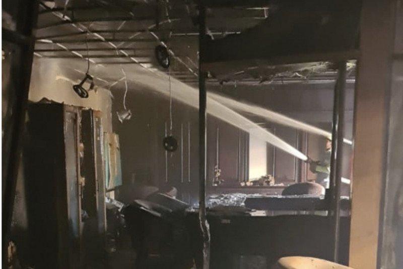 Gedung DPRD Kaltim terbakar
