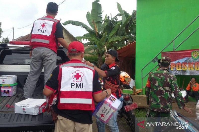 PMI distribusikan bantuan untuk korban longsor di Caringin Sukabumi