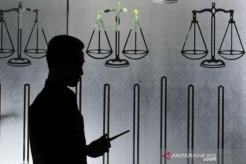 Komisi Yudisial dalam menyeleksi dan diseleksi