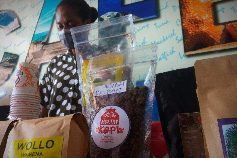 Gubernur optimistis investasi hijau bangkitkan ekonomi Papua Barat
