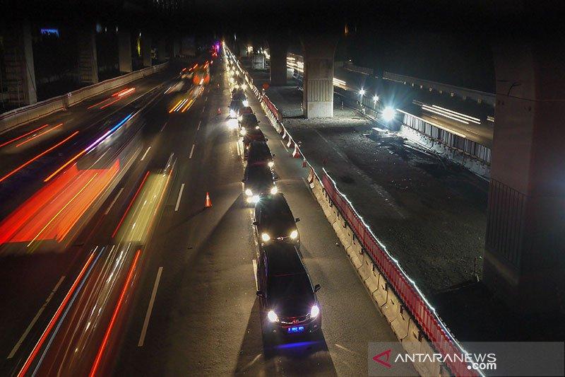 Jalan Tol Jakarta-Cikampek arah Jakarta sempat di