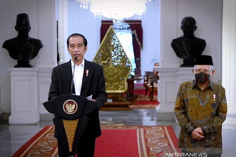 Kemarin, Jokowi kecam pernyataan Macron hingga Megawati soal milenial