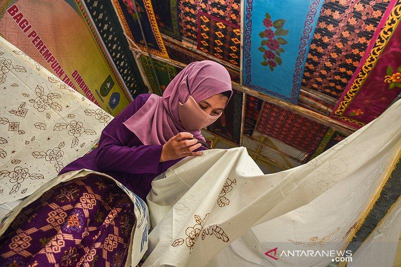 Riau lakukan regenerasi perajin batik Melayu saat pandemi COVID-19
