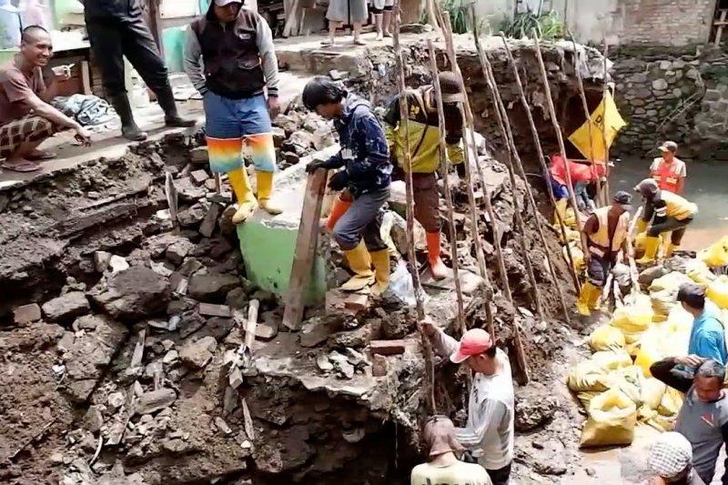 Diskar PB Bandung tingkatkan kesiapsiagaan hadapi musim hujan