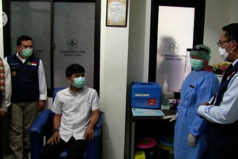 Gubernur Jabar tinjau simulasi vaksinasi COVID-19 di Kota Depok