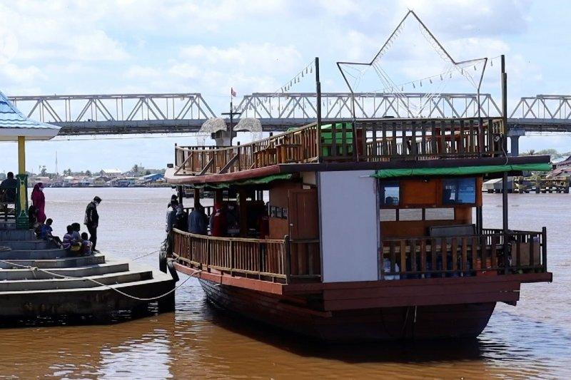 Pemprov Kalbar gandeng Perum Damri luncurkan paket wisata domestik