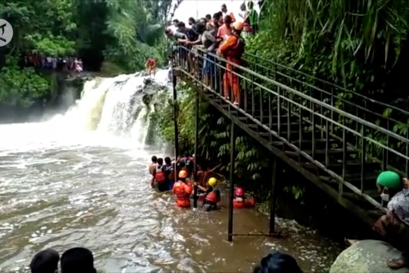 SAR ingatkan warga untuk waspada bencana di lokasi wisata