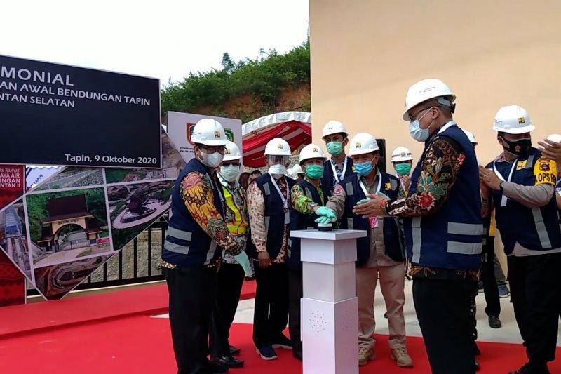 Proyek nasional Bendungan Tapin memasuki tahap pengisian awal