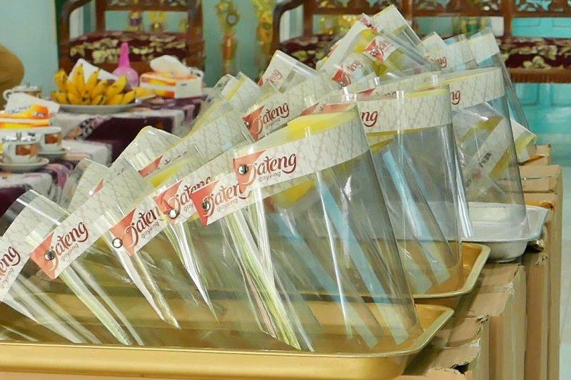 3.000 face shield dibagikan untuk siswa di Temanggung