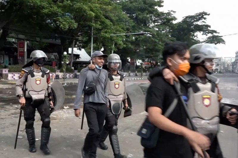 Polisi tetapkan 3 tersangka kericuhan demo UU Cipta Kerja di Medan