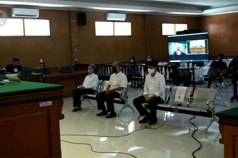 3 petinggi Sunda Empire divonis 2 tahun penjara
