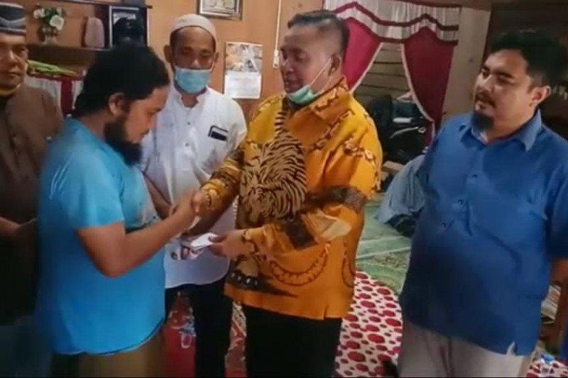 Airlangga umrahkan ustaz korban pembacokan di Aceh Tenggara